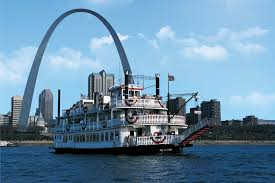 Gateway-Arch-Riverboats